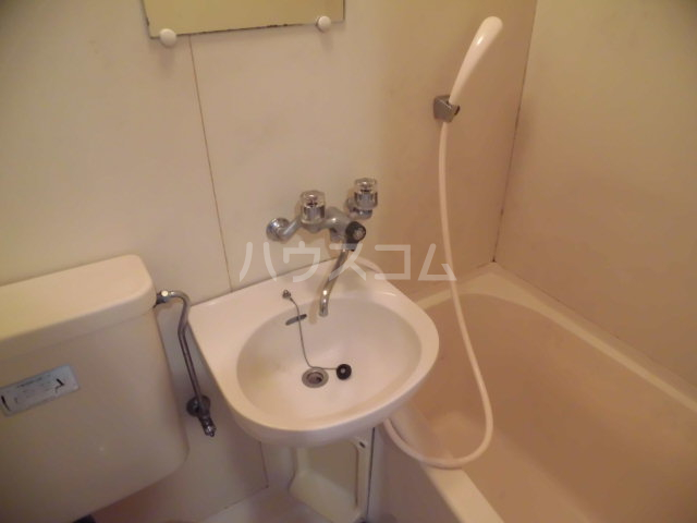 グリーンハイム志村2号棟 111号室の洗面所