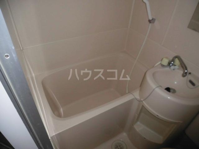 メゾンドアムール 406号室の風呂
