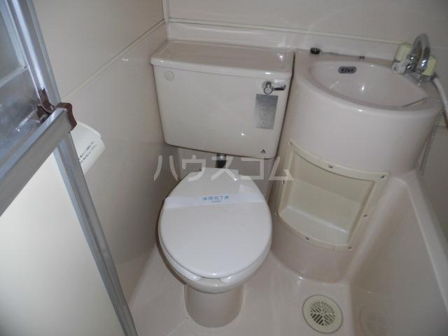 メゾンドアムール 407号室の洗面所