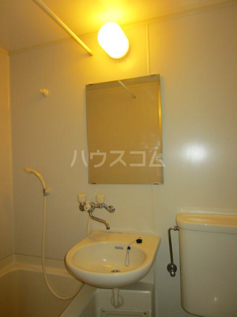 ケントコーポラス 202号室の洗面所