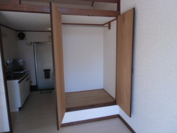 第3泉ハイツ 105号室の収納