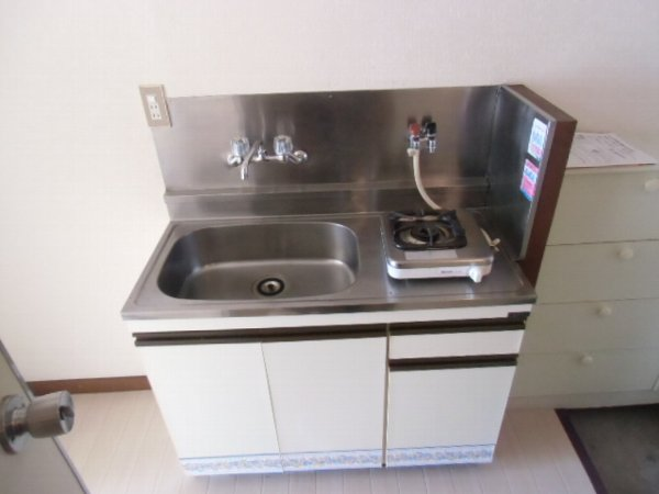第3泉ハイツ 105号室のキッチン