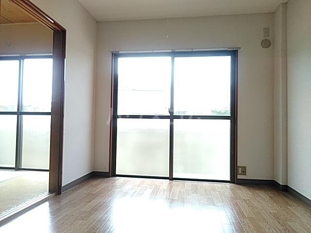 ビングスフジ 103号室のベッドルーム
