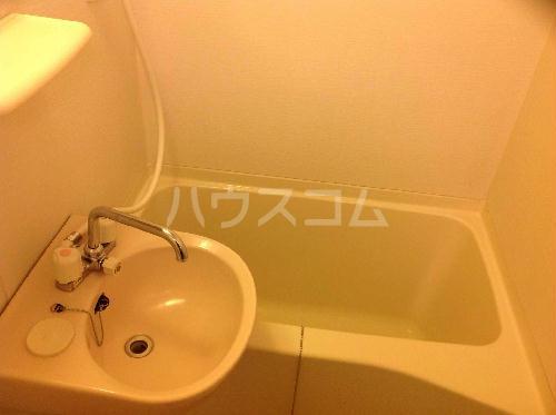 レオパレスカサデルソルⅢ 206号室の洗面所