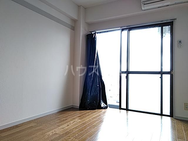 メゾンドアムール 506号室のリビング