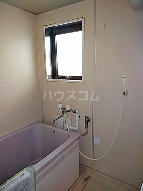 なとりビル3 2-B号室の風呂