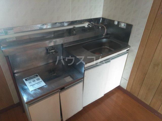 ハウザー高松 203号室のキッチン