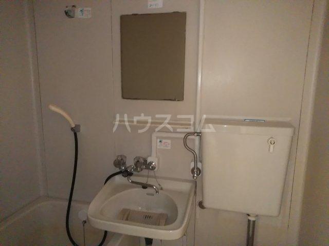 ハウザー高松 203号室の洗面所