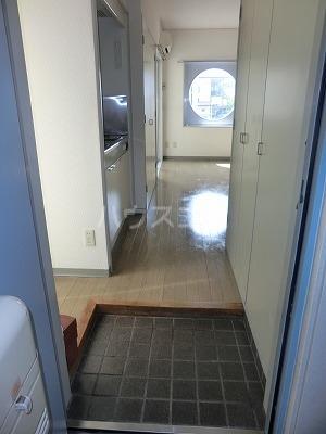 サンライト日吉 206号室の玄関
