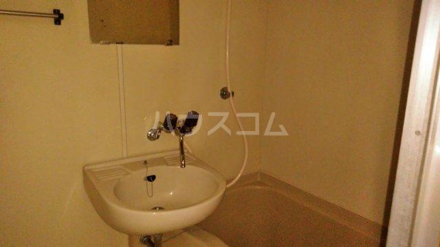 ガーデンハイツ市川 206号室の風呂