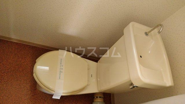 ガーデンハイツ市川 206号室のトイレ