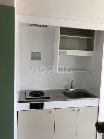 ビケンアーバンス 204号室のキッチン