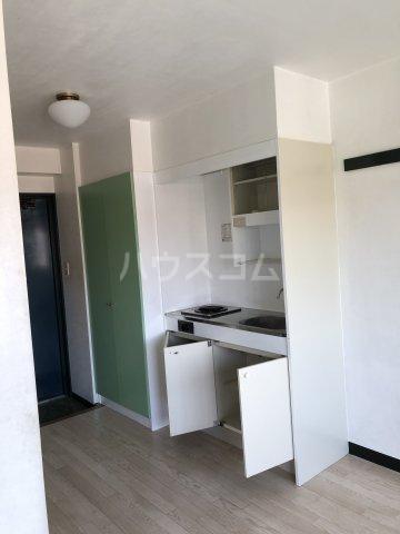 ビケンアーバンス 204号室の玄関