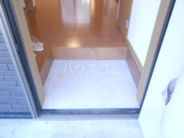 チェリニー国立 102号室の玄関