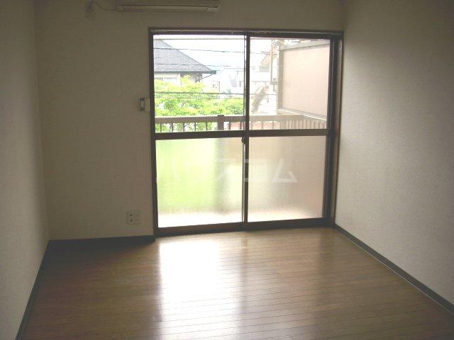 吉成荘 201号室のリビング