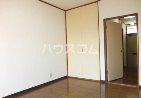 吉成荘 201号室の玄関