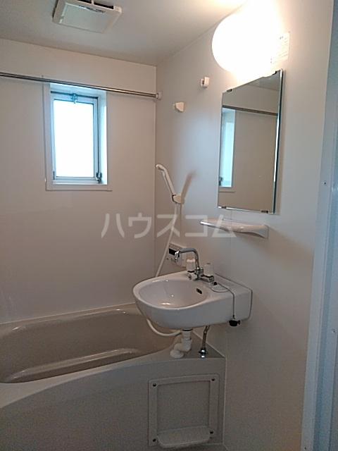 クローカスA 105号室の洗面所