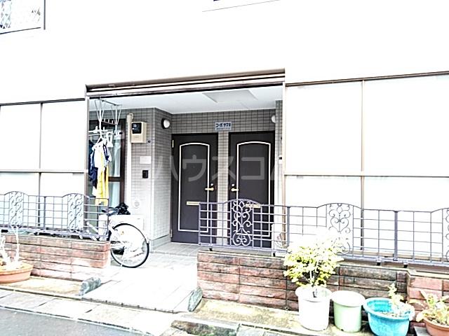 コーポヤマキ 102号室のエントランス