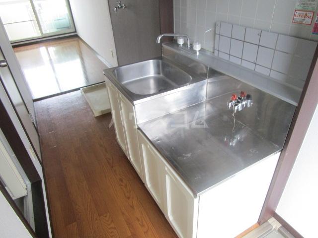 アーバンハウス 201号室のキッチン