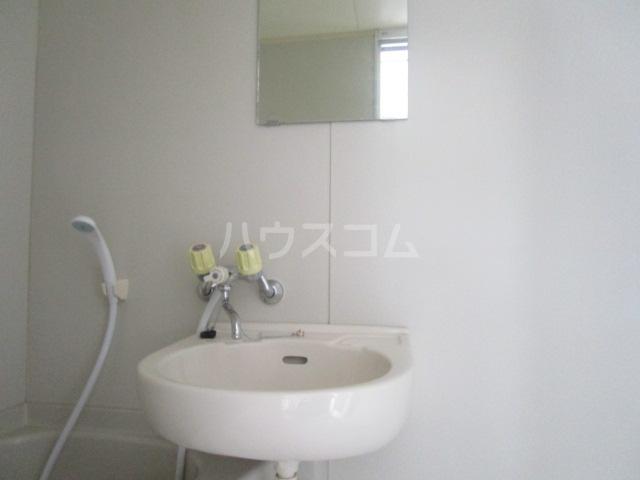 アーバンハウス 201号室の洗面所