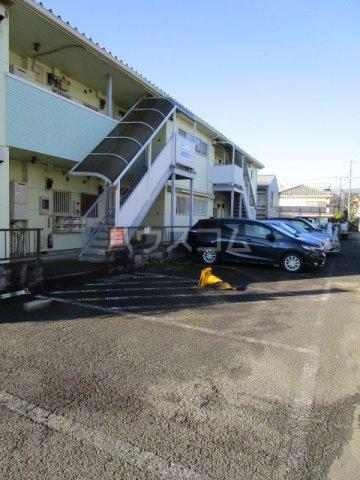 コーラルリーフⅠ 101号室の駐車場