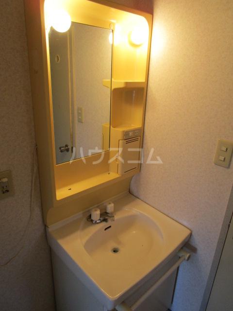 コーラルリーフⅠ 101号室の洗面所