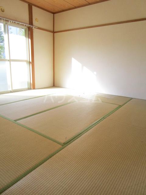 コーラルリーフⅠ 101号室の居室