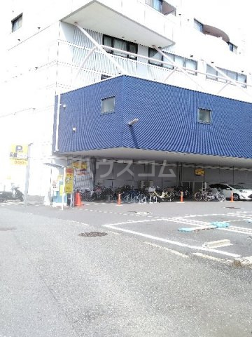 スカイコート 202号室の駐車場