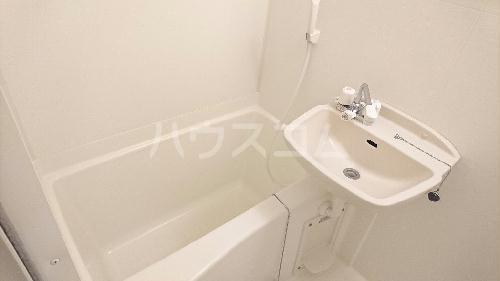 レオパレスRook 203号室の洗面所