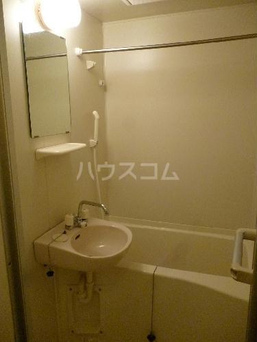 レオパレスグルワール 107号室の洗面所