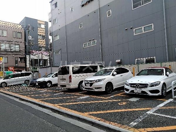エイペックス新丸子 201号室の駐車場