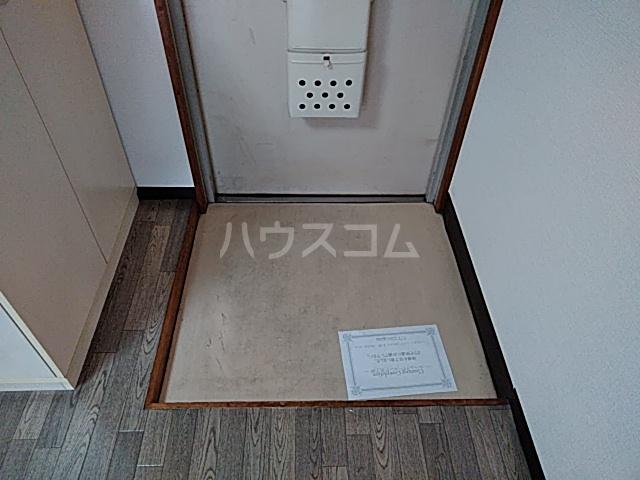 ジュネス88 103号室の玄関