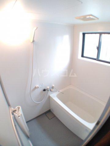 ホワイトキャスル 302号室の風呂