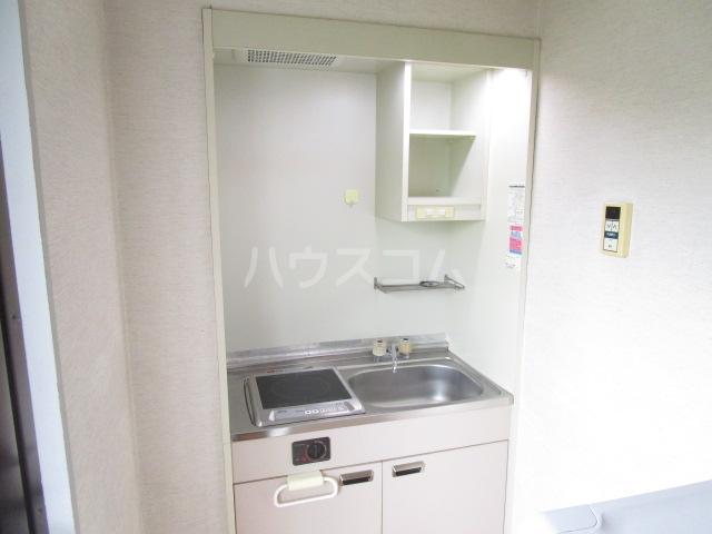 QU館 E号室のキッチン