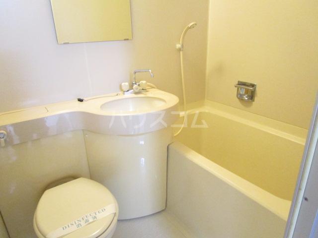 QU館 E号室の風呂