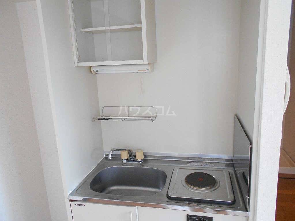 ローバー片倉 301号室のキッチン