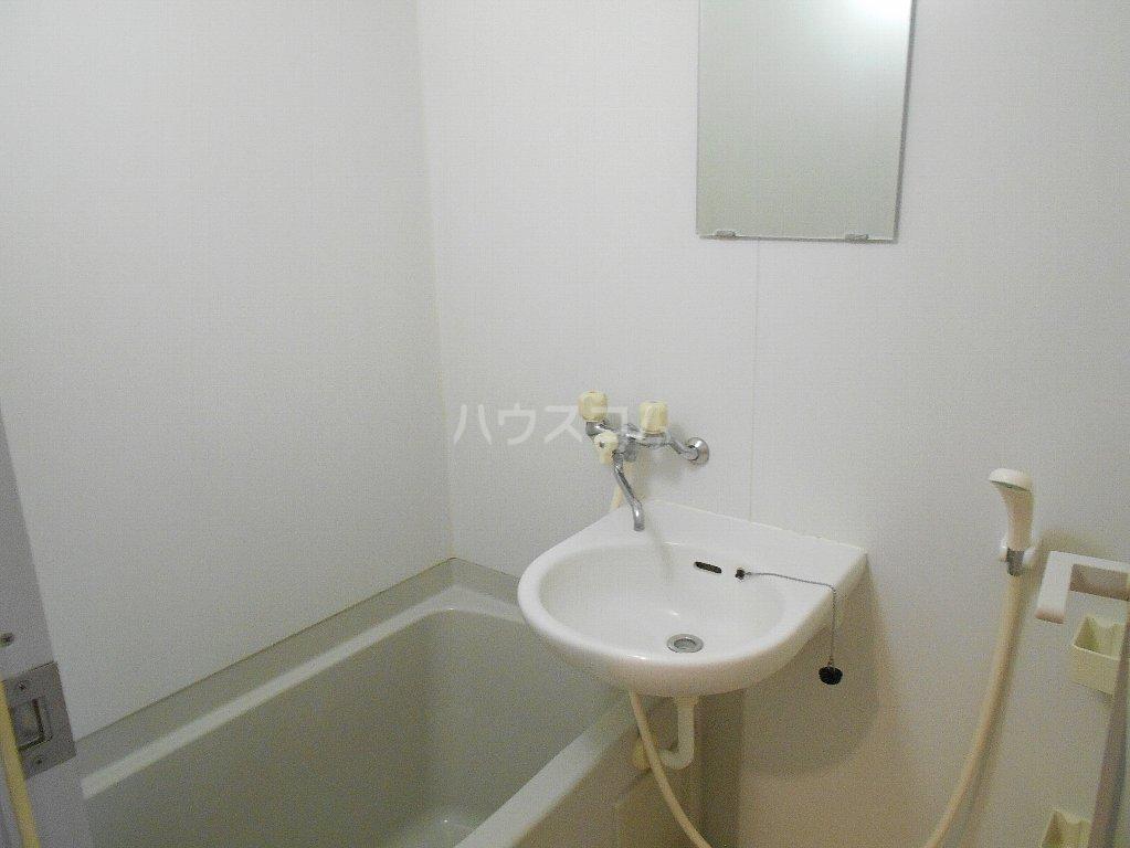 ローバー片倉 301号室の風呂