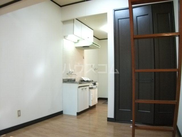 アネモネコーポ 102号室のキッチン
