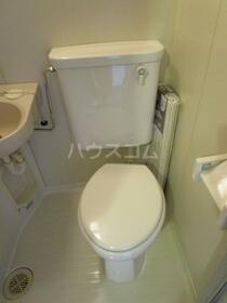 コーポM2 302号室のトイレ