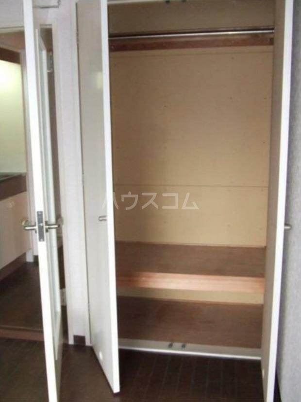 メゾン・プラネット 310号室の収納