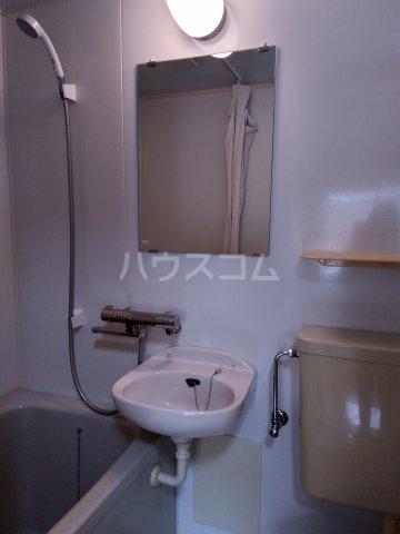 パルU 201号室の洗面所