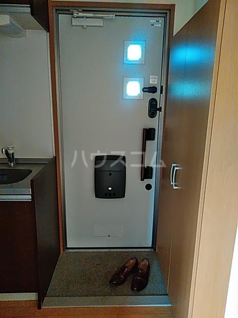 ディアコート日吉 202号室の玄関