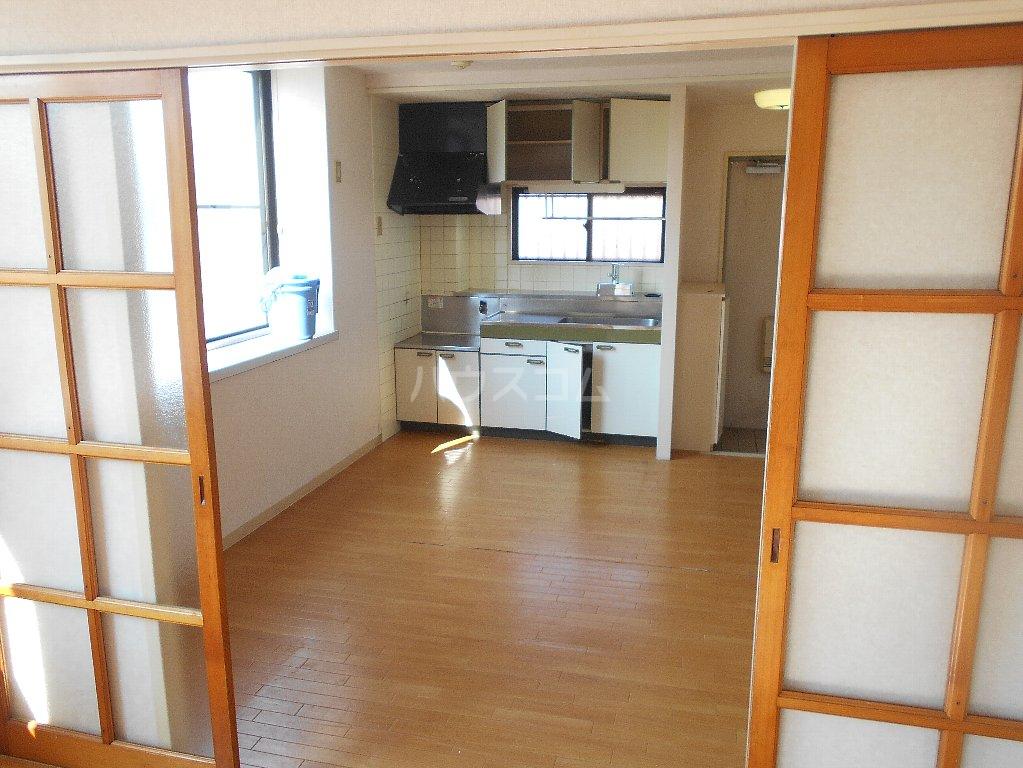 湘南マンション 303号室のリビング