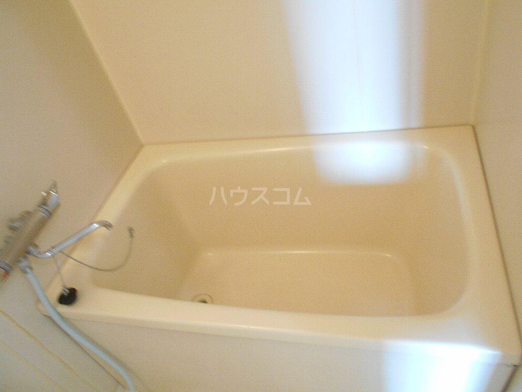 湘南マンション 303号室の風呂