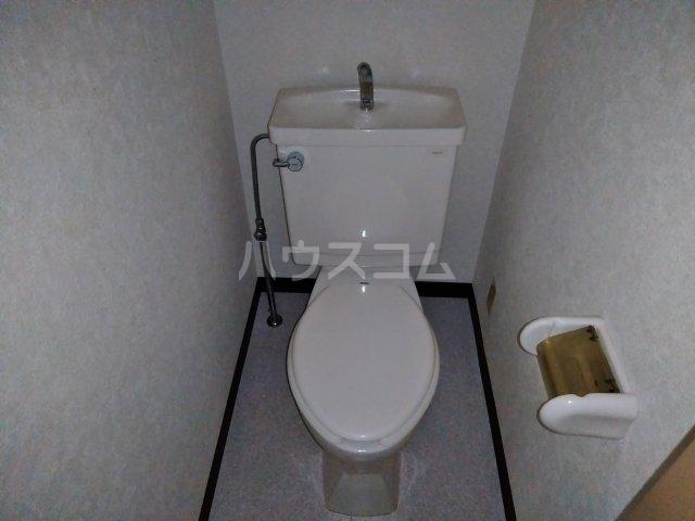 共立リライアンス福生駅前 103号室のトイレ