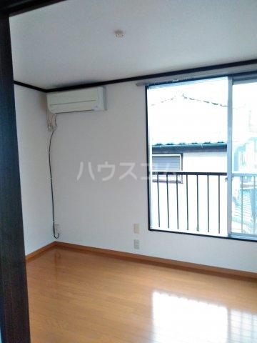 コスモスハイツ 205号室の居室