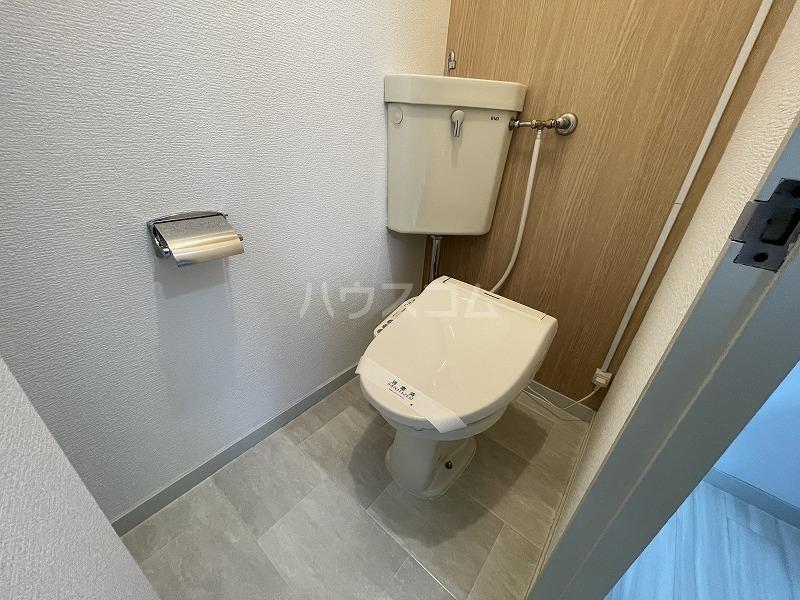 ニックハイム玉川上水 A-408号室のトイレ
