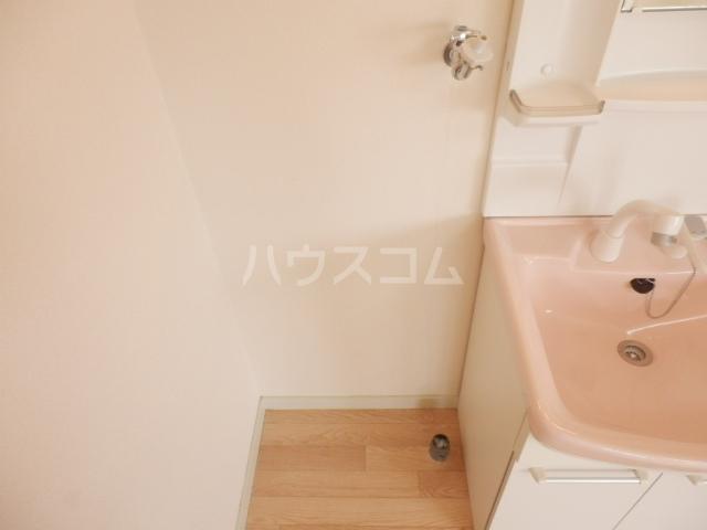 ニックハイム玉川上水 A-408号室の洗面所