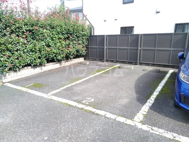 カサベルデ桜街道 203号室の駐車場