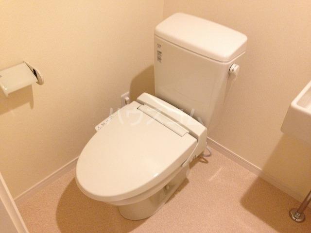 フローライト日吉 201号室のトイレ